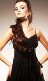 Mulher nova com cabelo longo Imagens de Stock Royalty Free
