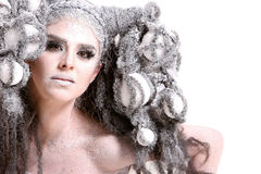 Mulher nova com composição e penteado da forma foto de stock