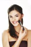 Mulher nova com escova foto de stock royalty free