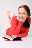 Mulher nova com livro fotos de stock