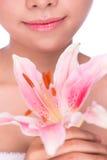 Mulher nova da beleza com flor Fotografia de Stock