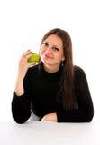 Mulher nova de sorriso com maçã Foto de Stock