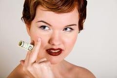Mulher nova do red-head encantador com esforços na face imagens de stock