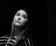 Mulher nova do retrato preto e branco Fotografia de Stock Royalty Free