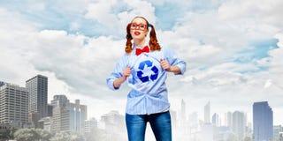 Mulher nova do super-herói foto de stock royalty free