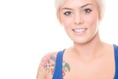 Mulher nova e sorrindo imagens de stock