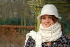 Mulher nova em um dia invernal Fotografia de Stock Royalty Free