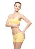 Mulher nova feliz com corpo magro bonito Fotografia de Stock