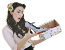 Mulher nova feliz com sapatas novas Imagens de Stock
