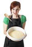 Mulher nova feliz com uma massa de pão Fotos de Stock