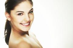 Mulher nova feliz no fundo branco Fotografia de Stock