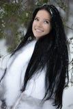 Mulher nova na floresta do inverno Foto de Stock Royalty Free