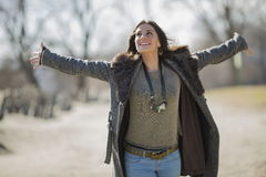 Mulher nova no parque Imagens de Stock Royalty Free