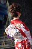 Mulher nova no quimono foto de stock