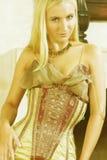 Mulher nova no vestido antigo 3 imagem de stock