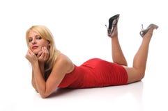 Mulher nova no vestido vermelho Foto de Stock Royalty Free