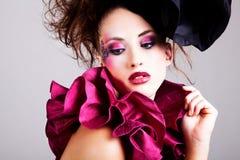 Mulher nova no vestuário da vanguarda Imagem de Stock Royalty Free