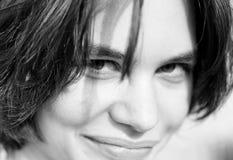 Mulher nova preto e branco Imagem de Stock