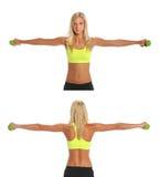 Mulher nova que exercita com Dumbbells Imagens de Stock Royalty Free