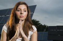 Mulher nova que praying Fotos de Stock Royalty Free