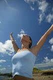 Mulher nova que respira Imagens de Stock Royalty Free