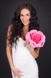 Mulher nova 'sexy' com batom cor-de-rosa Imagens de Stock Royalty Free