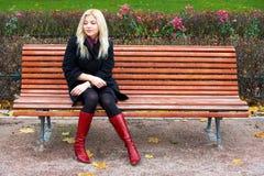 Mulher nova sozinho Imagem de Stock Royalty Free