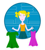 Mulher pensativa dos desenhos animados que guarda duas gravatas e que tenta escolher melhor na loja de roupa Fotos de Stock Royalty Free