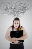Mulher preocupada com escala de peso Fotografia de Stock