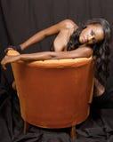Mulher preta nova bonita Imagem de Stock Royalty Free