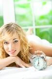 Mulher que acorda Imagem de Stock Royalty Free