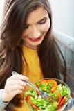 Mulher que come a salada Foto de Stock Royalty Free