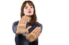 Mulher que diz não com gesto de mão Imagens de Stock Royalty Free