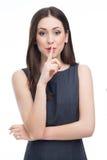 Mulher que faz o gesto do silêncio Fotografia de Stock