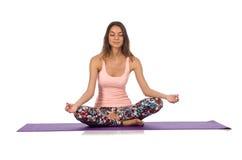 Mulher que faz os exercícios do esporte isolados no branco Fotos de Stock Royalty Free
