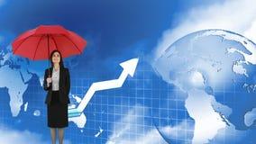 Mulher que guarda um guarda-chuva ao lado de um globo e de uma seta movente ilustração royalty free