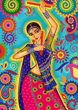 Mulher que joga a dança do garba para a noite de Dussehra Dandiya durante Navratri Imagem de Stock Royalty Free