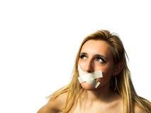 Mulher que mantém-se silenciosa Imagens de Stock Royalty Free