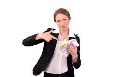 Mulher que mostra o dinheiro em suas mãos Imagens de Stock