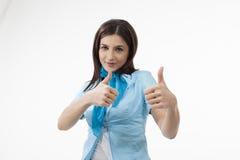 Mulher que mostra o sinal aprovado Fotografia de Stock