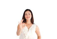 Mulher que mostra o sinal aprovado Imagem de Stock Royalty Free
