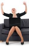 A mulher que o homem de negócios exulta ao sucesso Imagem de Stock Royalty Free