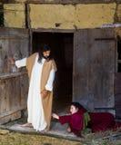 Mulher que pede Jesus a remissão fotografia de stock