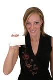 Mulher que prende o cartão em branco 1 Fotografia de Stock Royalty Free