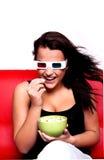 Mulher que presta atenção ao filme 3D, Fotos de Stock Royalty Free