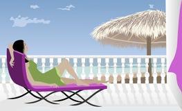 Mulher que relaxa pelo mar ilustração do vetor