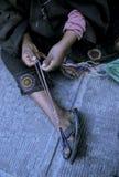 Mulher que tece Bolívia fotografia de stock