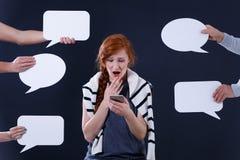 Mulher que usa seu smartphone Fotografia de Stock Royalty Free