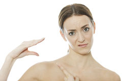 Mulher que usa sua mão como um fantoche Foto de Stock Royalty Free