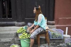 Mulher que vende Bristol Fotografia de Stock Royalty Free
